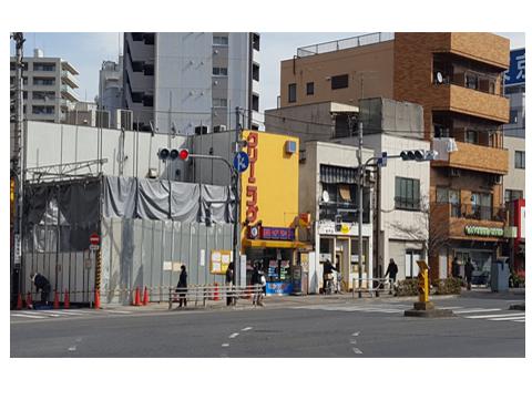 大山西町側(田崎病院側)から見た補助26号入口部分 元交番の所